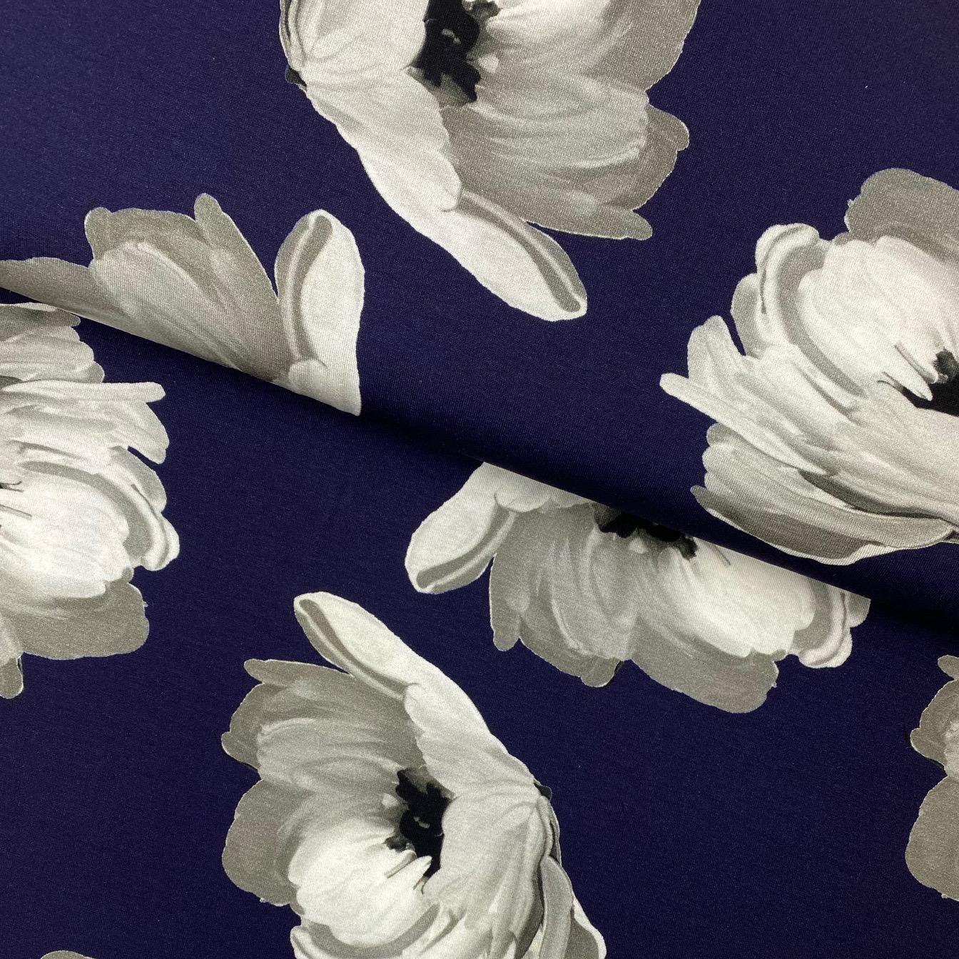 Viskosenjersey, Digital Druck, Wild Roses, dunkelblau.  Art. 924544