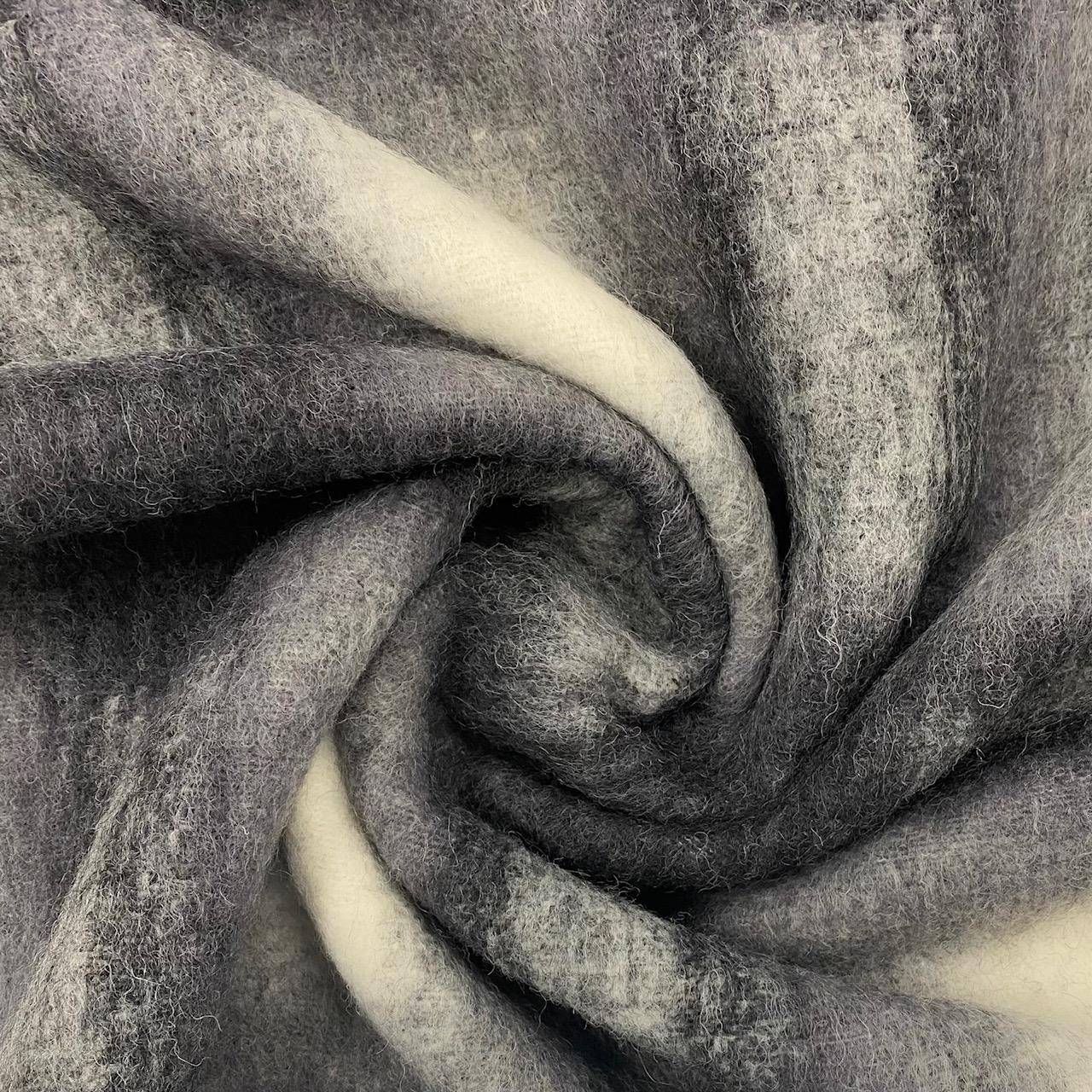 Heavy-Wool Karo, grau.  Art. 4755-01