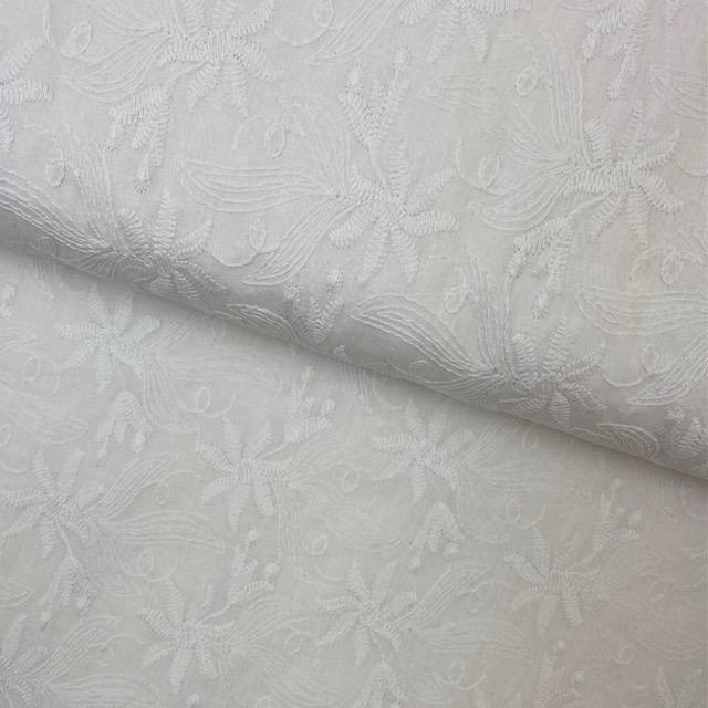 Feiner Baumwollbatist Stickerei, weiß. Art. Q11072-050