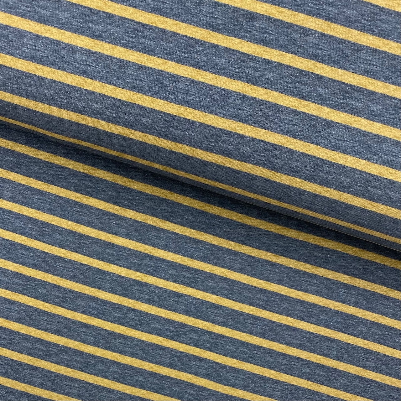 Sweat French Terry, angeraut, Streifen jeansblau/curry.  Art. 4982.1701